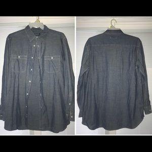 Denim button long sleeve down shirt.